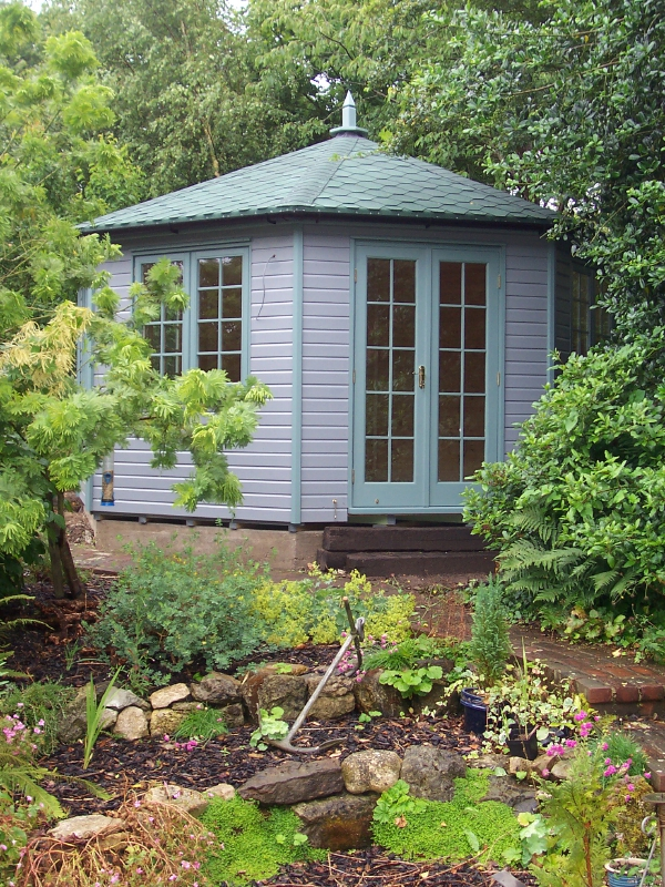 Iow garden summerhouses centre 8 sided octagonal summerhouse for Garden rooms cheshire