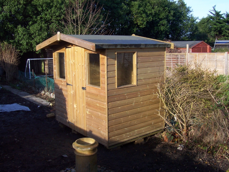 Low Pitched Roof At 8 Degrees. 7ft X 5ft Tanalised Reverse Apex Shed On  Display At Lushington